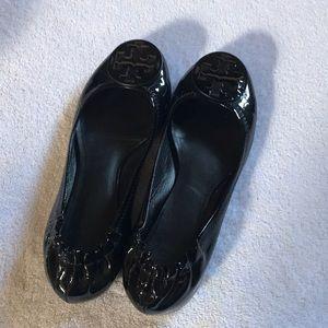 Black patent ballet flats